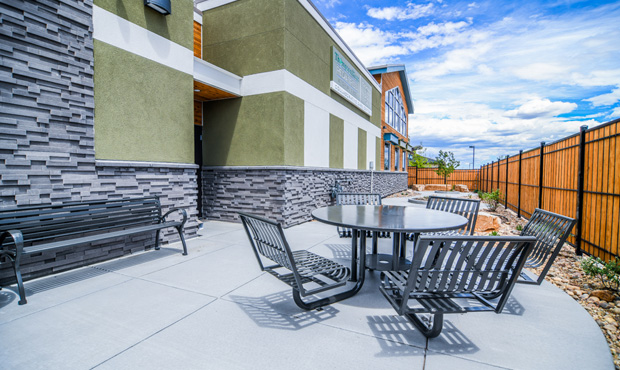 commercial outdoor furniture trends for