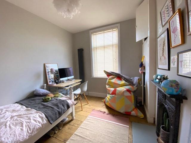 nursery room for redecoration