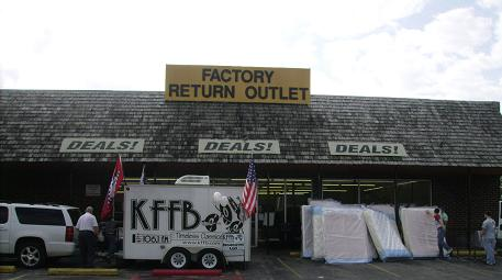 KFFB on Location at Factory Return Outlet