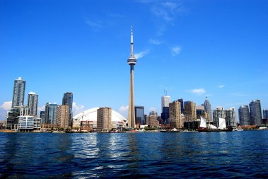cn-tower-ontario-lake