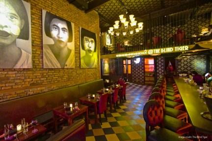 interior-blind-tiger-bar-yangon