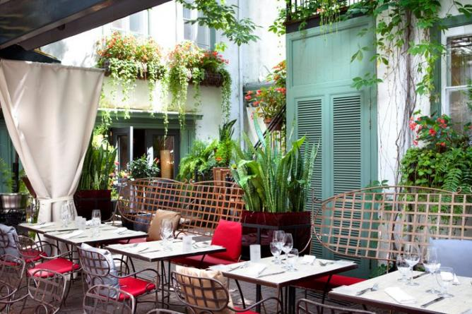 56-245605-restaurants-quebec-toast1