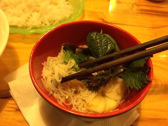 noodle-soup-in-streetfood