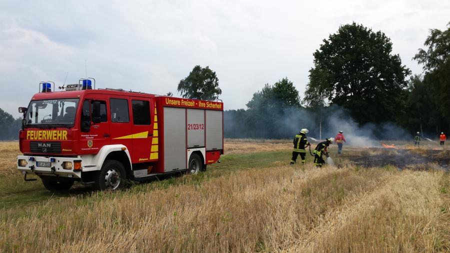 38e54f815bf Stoppelbrand in Schwachhausen - Kreisfeuerwehrverband Celle e.V.