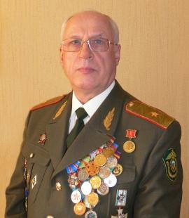 Суменков Юрий Иванович, генерал-майор в отставке ...