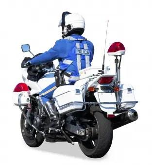 警察がネズミ捕りのスピード違反で不正取り締まり。昭和のアナログ