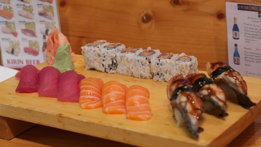 Sushi at TL's Four Seasons