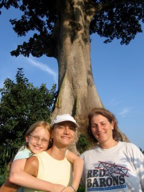 Isabel, Peggy, Cathy and the Spirit Tree