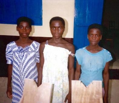 Mama (center), Atsupui (right)