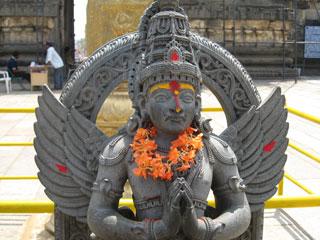 10_13_CvrStory-India-6.jpg