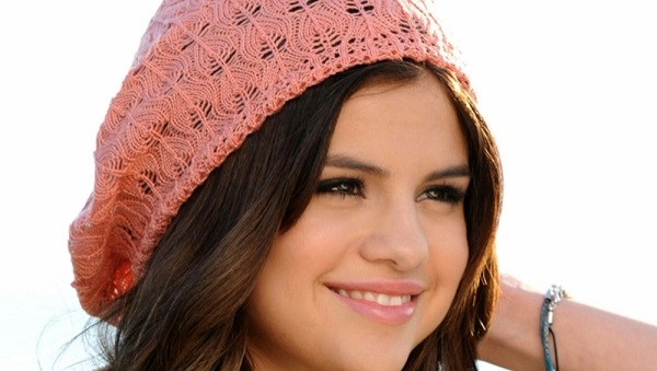 Selena-Gomez-36-hd-wide-wallpapers
