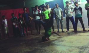 14-11-13 Manoranjan - Dance Academy