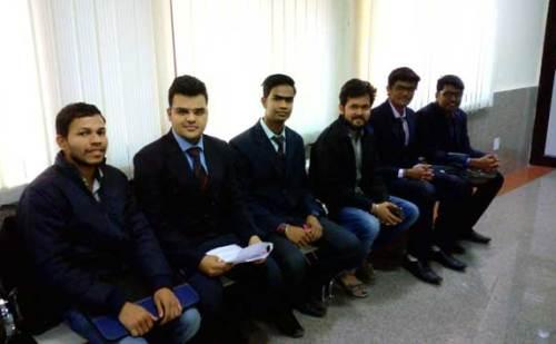 'बहुजन आजाद पार्टी' के छात्रों ने कहा ,आईआईटी राजनीति का अखाड़ा नहीं