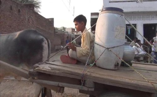 चिलचिलाती गर्मी में गांव वालो को खली पानी की समस्या