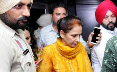 अमृतसर रेल हादसा: बिहार में नवजोत कौर के खिलाफ मामला दर्ज