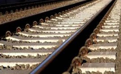 नक्सलियों के रेल पटरी उड़ाने से बाधित रहे कई रेल मार्ग