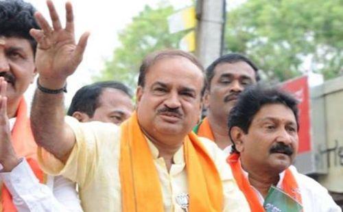 केंद्रीय मंत्री अनंत कुमार का हुआ निधन, कैंसर से पीड़ित थे