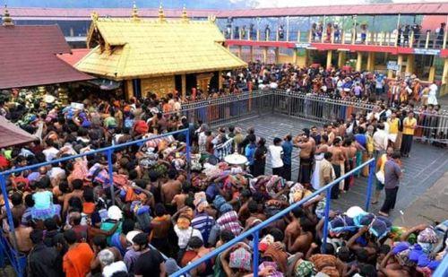 सबरीमाला मंदिर : सुप्रीम कोर्ट ने दिया एंट्री का आदेश