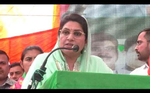 इनेलो विधायक नैना चौटाला ने हरी चुनरी चौपाल कार्यक्रम का किया आयोजन
