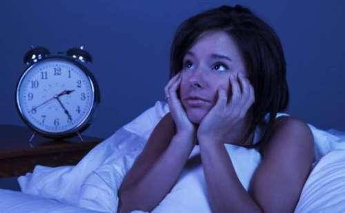 नहीं आ रही रात को नींद तो आज ही कर लें ये काम, जिंदगी भर मिलेगा आराम…