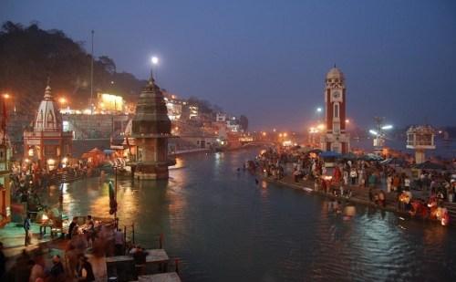 कुंभ की त्रिवेणी नदी नहीं बल्कि करोड़ों लोगों की आस्था है पढ़िए इस लेख में ….
