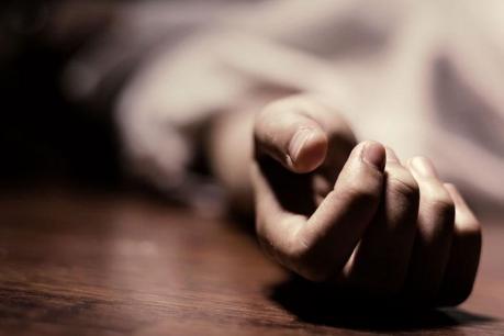 हत्या या आत्महत्या : पेड़ से लटका मिला युवक और युवती का शव,  जांच में जुटी पुलिस