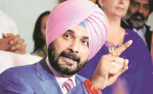 सीएम अमरिंदर सिंह पर कसे गए तंज को लेकर घिरे सिद्धू, कईं मंत्रियों ने मांगा इस्तीफा