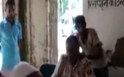 थाने में दरोगा का मसाज करवाते हुए वीडियो हुआ वायरल