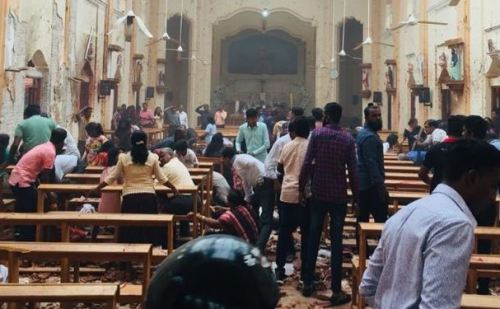 ईस्टर के मौके पर सीरियल बम धमाकों से दहला श्रीलंका , 52 की मौत ,300 से ज्यादा घायल