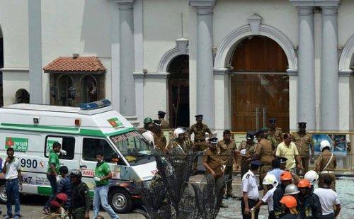 6 बम धमाकों से दहला श्रीलंका, बम धमाकों में 52 लोगों की मौत