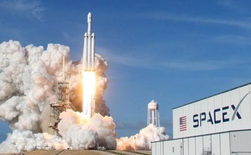 स्पेस एक्स ने 60 उपग्रहों को अन्तरिक्ष में किया स्थापित