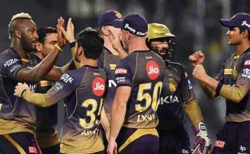 कोलकाता नाइटराइडर्स ने पंजाब को 7 विकेट से हरा कर, प्लेऑफ में पहुंचने की अपनी आखिरी उम्मीदों को भी कायम रखा