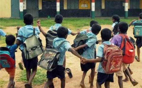 सरकारी स्कूलों में पढ़ने वाले विद्यार्थियों को जुलाई में मिल सकते है मुफ्त स्कूल बैग