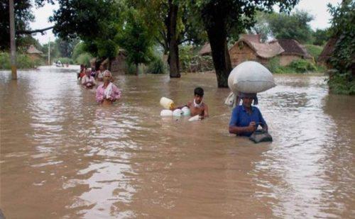 बिहार में बाढ़ के कारण अब तक 102 लोगों की मौत