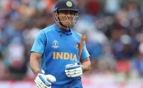 भारत की हार पर सुनील गावस्कर ने धोनी के बैटिंग ऑर्डर पर उठाया सवाल