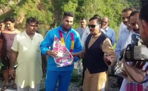 HP: वेटलिफ्टर कल्याण सिंह ने देश की झोली में डाला रजत पदक