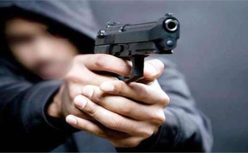 गुरुग्राम: दिनदहाड़े तीन बदमाशों ने बाइक सवार को लूट के बाद मारी गोली