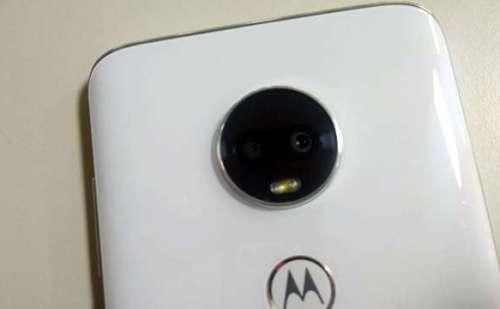 Moto G8 Snapdragon 665 प्रोसेसर और 48MP कैमरे के साथ ऑनलाइन किया गया स्पॉट