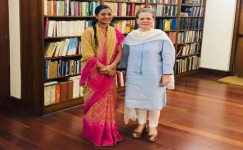 सोनिया गांधी से मिली अलका लंबा, कांग्रेस कर सकती है ज्वाईन