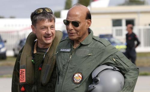 रक्षामंत्री राजनाथ सिंह आज फ्रांस की रक्षा कंपनियों के साथ करेंगे बैठक,दसॉल्ट के प्लांट का भी करेंगे दौरा