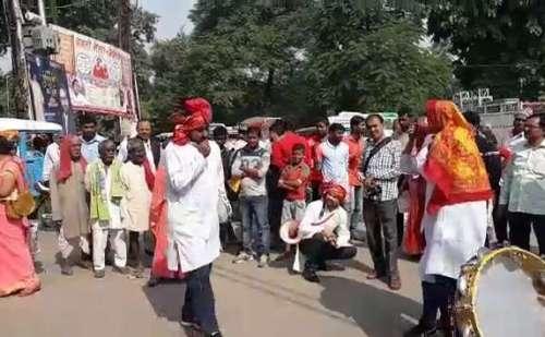 बलिया: नुक्कड़-नाटक के जरिए कुपोषण के प्रति किया गया जागरूक