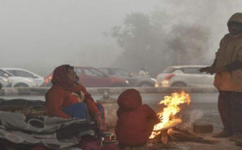 यूपी में हाड़ कंपा देने वाली ठंड का कहर जारी, ठंड से कई लोगों की गई जानें