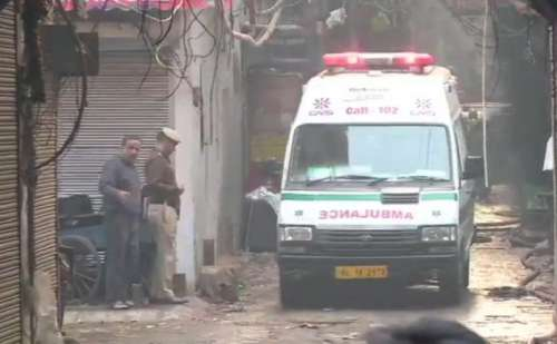 दिल्ली में एक बार फिर आग का तांडव, भीषण अग्निकांड में अब तक 32 लोगों की मौत