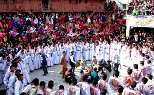 सिरमौर व उत्तराखंड में माघी त्योहार की धूम, जानिए क्या है इस त्योहार की मान्यता