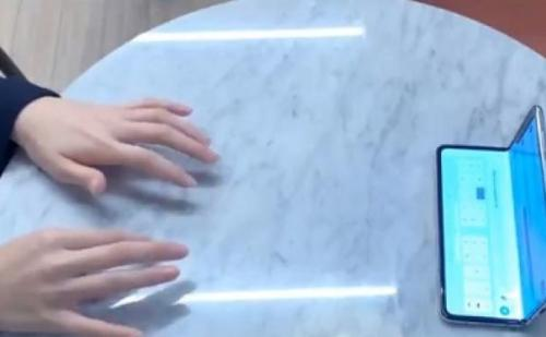 Samsung लाया 'सेल्फी टाइप',ऐसे करता है काम