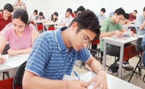 यूपी बोर्ड परीक्षा 8 फरवरी से होगी आयोजित, हजारों छात्र-छात्राएं होंगे परीक्षा में शामिल