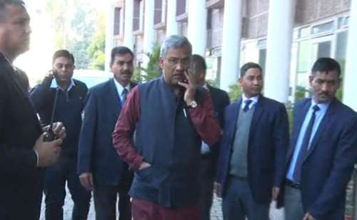 दिल्ली में चुनाव प्रचार करने के बाद मुख्यमंत्री त्रिवेंद्र सिंह रावत उत्तराखंड वापस लौटे