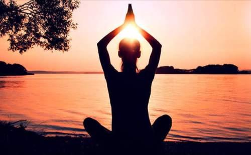 योगासन, प्राणायाम और ध्यान तनाव दूर करने का कारगर उपाय है
