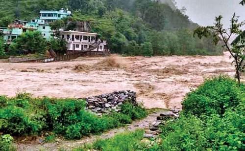 उत्तराखंड: पिथौरागढ़ में बादल फटने से तबाही, अब तक 3 की मौत