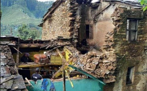 पिथौरागढ़ में बड़ा हादसा, मकान गिरने से मासूम बच्चों सहित 3 की मौत
